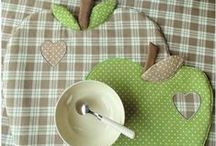 Sewing - Mug rugs & place mat / by Silvia Vanessa Carrillo Lazo