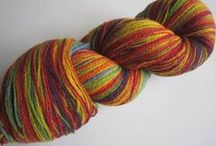 YARN AADE LONG/KAUNI / Artistic yarn is many coloured yarn, which has smooth changeover of colours. Aade long produce Artistic yarn with coarseness of 8/2, which suits well for knitting with machines, but weavers and people who crochet appreciate our yarn as well. The skeins are in different amounts (not 50g., 100g.) Approx, in 100gr. are 400m.