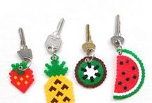 Obst | Melone, Kirsche, Kiwi & Co. DIY & Inspiration / Ich liebe DIY Obst, besonders gern DIY Melone, DIY Erdbeere und DIY Kirsche. Und dann bitte als Stempeldruck, Stoffmuster, Papierboxen, Partyeinladungen, Partydeko, Origami Obst, Luftballons, Fimo Obst, Porzellan Obstschalen, Obstschalen an sich u.v.m.