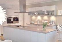 Diseños de Cocinas Modernas / Los mejores diseños para cocinas modernas.  CostaRealty - Más que una Inmobiliaria. web: www.costarealty.com.mx
