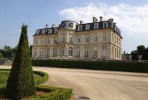 Champs-sur-Marne / Le château de Champs-sur-Marne, est l'un des joyau de l'architecture classique en Île-de-France.