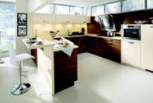 Cuisine en U ! / Vous souhaitez un espace cuisine bien délimité, avec tout votre matériel à proximité et dans lequel vous pouvez circuler sans entrave ? La cuisine en U est faite pour vous !