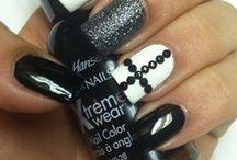 ...nails, nails & more nails...!