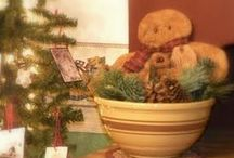 CHRISTmas Decoratin' / ~ Pieces of Christmas that I would like to emulate for our home ~ / by A Vintage Journey