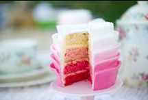 Girl's Cake Inspirations / A collection of beautiful decorated cakes from wonderful cook all around the world!