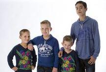 """www.stoere/jongenskleding.nl / Je kind er mooi uit laten zien is niet moeilijk. Er zijn immers volop coole merken verkrijgbaar. Je kind er mooi uit laten zien tegen een schappelijke prijs is echter nog een hele uitdaging!  Je loopt de kans dat """"de halve wereld"""" in dezelfde kleding rondloopt, of de kwaliteit laat te wensen over. DIT KAN ANDERS! Wij verkopen hippe, betaalbare jongenskleding van prima kwaliteit, en onze collectie wisselt regelmatig."""