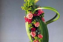 flower arrangements / flowers for the home