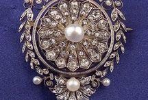 Little antique jewellery treasures