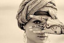 HENNA TATOOS / Henna tattoos