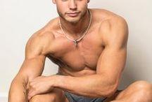 DANIEL PEYER / UW Whitewater studentliving life throught fitness Twitter, Kik, and Snapchat: peyerdaniel