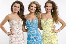 Prom Style / High-fashion prom gowns and amazing hairstyles