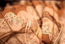 Koronkowe wesele/ Lace wedding / Wesele z koronkowymi ozdobami i królującą gipsówką. Lace, burlap and baby's breath.