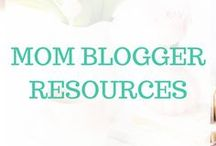 Mom Blogger Resources / Here are tons of tips and resources for mom bloggers from getting traffic to content creation to income opportunities...and everything in between to be a successful blogger.