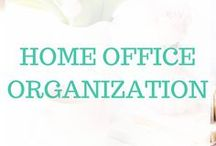 Home Office Organization / As a busy work-from-home mom, I am constantly looking for tips and trips to keep my home office at least somewhat organized. In addition to sharing tips on my blog and in my weekly newsletter, you can also check out some great organization ideas right here!