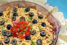 Mexican Food / mexican food recipes | authentic mexican food | mexican appetizers | mexican dips | mexican party food | easy mexican recipes | healthy mexican recipes | mexican casseroles | traditional mexican food | tacos | burritos | enchiladas | tostadas | cinco de mayo recipes