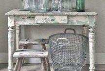 Brocante / Inspiratie voor wonen in een brocante sfeer. Denk hierbij aan merken zoals Clayre & Eef, Jeanne d'Arc Living. Verkoopadressen vind je op www.WOONwebwinkelen.nl