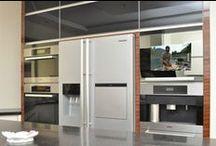 Pomysły do domu - kuchnia / Telewizory do zabudowy kuchennej, telewizory w lustrach. http://mirrormultimedia.pl/projektowanie-wnetrz/aranzacje-kuchni