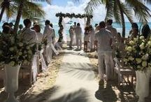 Wedding in Santo Domingo / Santo Domingo, with its crystalline water, is the perfect frame for a wedding on the beach.