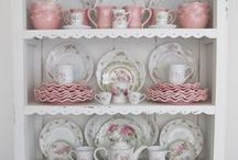 Shabby Goodies / Sweet soft shabby displays with a ton of inspiration