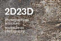 2D23D photography as sculpture sculpture as photography / Zwischen Fotografie und Skulptur bewegen sich die präsentierten Werke, greifen in den Raum und setzen in Gang.  Von den späten 1960er Jahren bis heute und mit einem speziellen Fokus auf Wien, treten künstlerische Positionen in einen Dialog, die das Fotografische im Zusammenspiel mit skulpturalen und räumlichen Facetten verhandeln.
