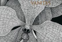 THILO WESTERMANN Vanitas / Thilo Westermanns Buntstiftzeichnungen und Hinterglasmalereien sind in der Publikation in Originalgröße wiedergegeben. Die abgebildeten Detailvergrößerungen entsprechen in Größenverhältnis und Punktstärke den großformatigen Diasec-Unikaten, die Westermann nach Fertigstellung von seinen Hinterglasmalereien drucken lässt. Neben kunsttheoretischen Texten werden diese Werkabbildungen durch Ausstellungsansichten ergänzt.