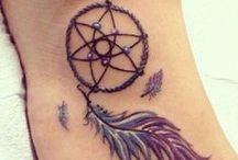 tatouage attrape reve / Retrouvez la signification du tattoo attrape-reve: http://tatouagefemme.eu/tatouage-attrape-reve-femme/ Idées et inspiration sur le dreamcatcher