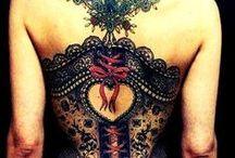 idee tatouage dos / Retrouvez les + beaux tattoos dos: http://tatouagefemme.eu/tatouage-dos-femme/