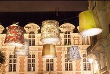Linen Lantern - Linen Lux / CLUB MASTERS OF LINEN fournisseur de l'excellence lin des éditeurs de PARIS DECO OFF crée l'événement LINEN LUX : 140 linen lanterns en format XXL, toutes de lin vêtues s'installent Rive Droite et Rive Gauche à Paris.