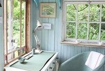 SUMMERHOUSE IDEAS / All things summerhouse related - from decoration ideas to what to put inside it!