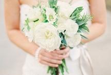 Inspiration: Wedding Looks We Love / Samantha Melanson Photography's Favorite Wedding Looks www.samanthamelanson.com