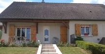 Nos réalisations : portes d'entrée / Nos réalisations : portes d'entrée posées par les menuiseries Arteba. Pour des maisons individuelles, logements, locaux professionnels...
