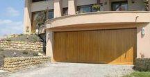 Nos réalisations : portes de garage / Nos réalisations : portes de garage manuelles ou motorisées posées par les menuiseries Arteba.