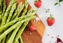 Vegane Spargel-Rezepte / Hier gibt's jede Menge Inspirationen für leckere vegane Spargelgerichte.