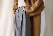 Minimalistische Mode - maximal schön. / Um sich schön zu kleiden, braucht es nicht viel Schnickschnack. Minimalistisch kann so schön sein.