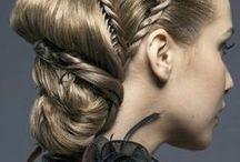Peinados / Peinados de fiesta... aclaro: tengo el pelo corto, rubio y muuuuy lacio, asi que esto es solamente una coleccion de hermosísimos deseos !!!