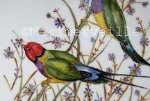 Porcelaine ©Marimerveille / Création de modèles originaux. Peinture sur porcelaine décorative. Travail de repiquage systématique. Plusieurs cuissons sont nécessaires (haute température).