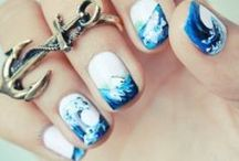nails / by Dafni G