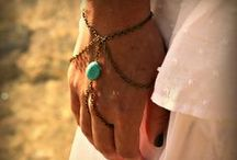 hand and foot jewelry / by Dafni G