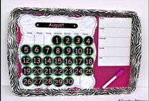 kalendáře, diáře, notesy a rozvrhy