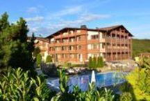 FREUND Das Hotel und Spa Resort ****S / Wellness Hotel   Hessen   Deutschland  Sauerlandstr. 6   34516 Vöhl-Oberorke Tel.: +49 6454 7090   Fax: +49 6454 709 148. Der Luxus unserer Zeit ist Freiraum, Ruhe, Weite, unverbrauchte Natur.