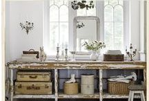 Furniture / Inspiration for choosing keys pieces for your home