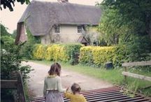Eat me Drink me Cottage New Forest / Quirky, fairytale and thatched - this cottage is available to rent through New Forest Escapes. Perfect for adventurous families wanting a retro holiday just 1km from the beach. Sleeps 6 and 4 kids in beds, 3 babies in cots.