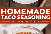 Homemade Seasoning Mixes / Here you will find out how to make all of your favorite seasoning mix recipes. These simple mix recipes include popular copycat recipes, recipes for seasoning chicken, and mixes for seasoning a variety of other meats and soups (including my favorite onion soup mix!).