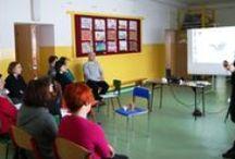 Nauczyciele na blogach [2012-2013] / W Szkole z klasą 2.0 blogują nie tylko uczniowie, ale także ich nauczyciele. Zobacz jak prowadzą swoje lekcje, co ich inspiruje, jakie projekty realizują z uczniami, jakie narzędzia TIK wykorzystują w edukacji.  / by Szkoła z Klasą 2.0