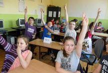 Nauczyciele o projektach [2012-2013] / Czyli jak od pomysłu na wspólne edukacyjne działanie z uczniami powstaje cel, plan, podział obowiązków, przez realizację poszczególnych punktów harmonogramu, aż po upragniony finał i prezentację wypracowanych efektów. Oto najciekawsze projektowe opisy nauczycieli 2.0.
