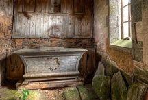 Abandoned beauty / Old souls