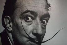 Exposição Salvador Dali / Salvador Dali é um criador no sentido mais amplo do termo e que, tal como seus admirados artistas do Renascimento, vai muito além da pintura. Elabora sua obra tanto a partir de complexas e diversas linguagens artísticas, como a partir da construção de uma personagem. Montse Aguer, curadora.  Duração: De 19/10/2014 à 11/01/2015 Horário: Terça a domingo e feriados, 11h às 20h. Entrada: Grátis Local: Instituto Tomie Ohtake