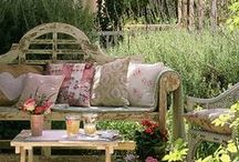 Ideas for Cottage Gardens / Charming, exuberant planting - self-seeding annuals, flowering shrubs, pretty perennials and scrambling, clambering climbers. For a cottage garden planting plan, tailored to your garden's soil and climate, visit https://www.plantingplanner.com