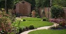 Ideas for Long, Narrow Gardens / Inspiration for designing long, narrow gardens. Visit www.plantingplanner.com for a tailor-made planting plan to suit your garden's growing conditions. https://www.plantingplanner.com