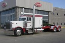 Beautiful Conventional Trucks / Images of all makes & models of conventional over the road trucks (AKA semis, diesels, tractors, sleepers, day cabs, big rigs, etc.)